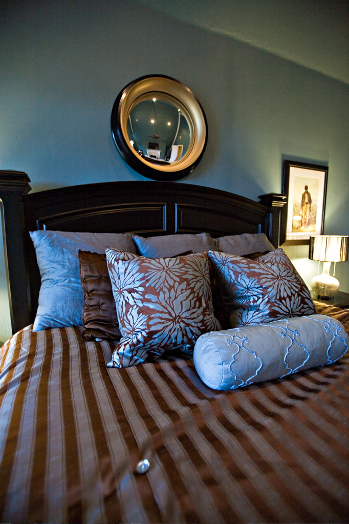 brilliant blue master bedroom