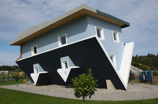 Upside Down House, weird architecture design