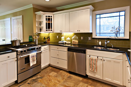 white kitchen cabinets with oil rubbed bronze hardware bliss in the kitch 2261